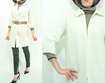 Long Cardigan Cream Sweater 70's Vintage Basket Weave Knit Jacket / Scallop Collar