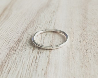 Sterling silver ring, thin round sterling silver ring, stacking ring, stacker, stackable ring