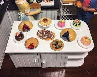 1:12 Scale Dollhouse Miniature Bakery Sweet/Dessert/Cupcake/Donut Shop  (sold separately)