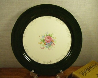 Taylor Smith Taylor - Dinner Plate - Dark Green and Cream - Gold Filigree - Floral Pattern