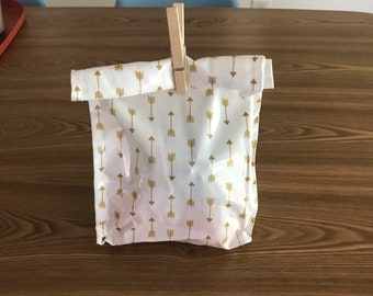 Oil cloth lunch bag