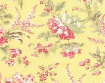 Whitewashed Cottage Daffodil Floral - Moda - Yellow - 1 Yard