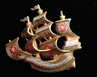 Vintage Gold Tone Clipper Ship Costume Brooch Nautical Spain