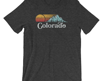 Retro Vibe Vintage Colorado Tee - Mountain & Sun Throwback Short-Sleeve Unisex T-Shirt