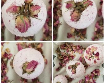 Rose buds and ylang ylang bathbomb