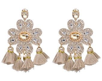 Long Tassle Earrings, Off White, White Earrings, Tassle Earrings, Fringe Earrings, Statement Jewelry, Chandelier Earrings, Boho Chic Gift