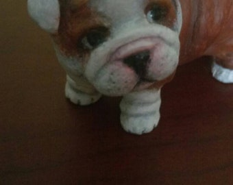 Personalized dogs.. You can send a picture of your dog or cat and I make the statuette.