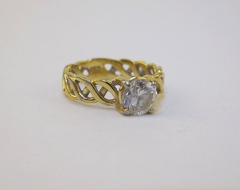 Vintage 1960s Women's Costume Jewelry Gold Weave Ring with Large Glass Rhinestone