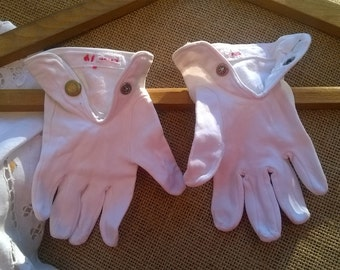 """Original 1930's White Child's Gloves Little """"Mouse"""" gloves French Cotton made Brass Snap Fasteners Size 5/ 5.5 #sophieladydeparis"""
