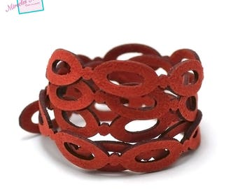 """14 """"Oval"""" perforated suede thong cord 1 m x 1, 5 mm, Red"""