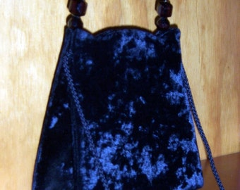 black crushed velvet handbag w big beaded handle