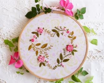 Broderie, Saint Valentin, à la main faite pour kit de maman - coeur fleur - broderie, cadeau maman, cadeau Saint-Valentin, broderie moderne à la main
