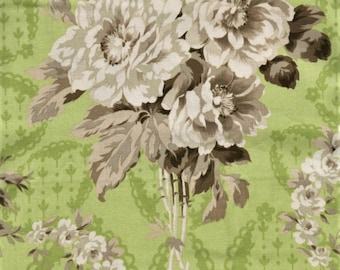 RJR Jardin Gris By Robyn Pandolph 2731 4 Vintage Rose Bouquet On Green By The Yard