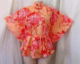 Vintage 1970's POMARE Hawaiian Tiki Top with Angel Sleeves Batwing Sleeves Peach Hawaiian Floral Print One Size