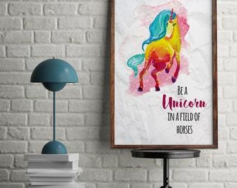 Ser un unicornio en un campo de caballos inspiracional motivacional acuarela unicornio impresión del arte de la pared