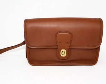 Vintage Coach Clutch, Purse, Handbag, Style No. 9832 in British Tan Glove-Tanned Leather, Made in USA, EXCELLENT CONDITION