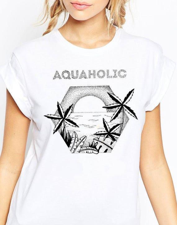 Aquaholic | Unisex T-Shirt | Beach shirt | Surfing Tee | Palm trees | Tattoo style | Original artwork | Ocean sunset |Ink drawing | ZuskaArt