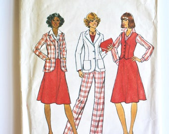 Vintage 1970s Women's Career Separates: Vest, Skirt, Blazer Jacket and Trouser Pattern Size 10 Simplicity 7376