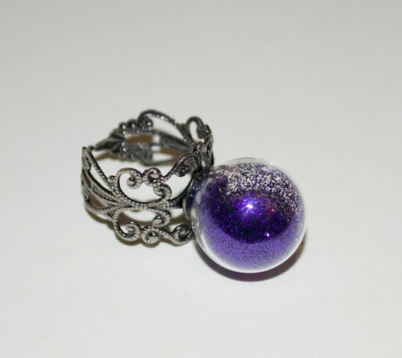Cocktail Ring, Purple Glitter Globe Ring, Adjustable Ring, Glitter Ring, Glass Ball Jewelry, Statement Ring, Purple Jewelry, Glass Globe