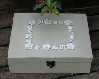 JEWELRY BOX Mocca Shabby Chic, jewelry disply, wooden earring box, jewelry box vintage