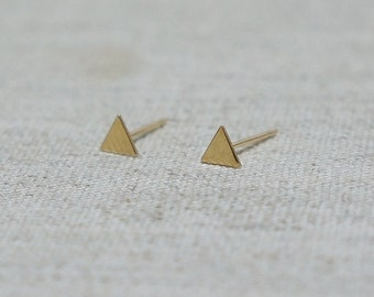 10K Gold Tiny Triangle stud earrings, solid Gold, 10k real Gold - TG010