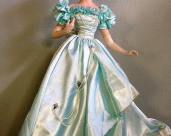 Franklin Mint Heirloom ~ A Night At The Opera ~ Doll Rare Vintage