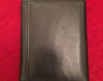 Men's black leather bi fold wallet