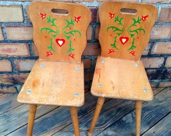 ON SALE!! Pair of Solid Wood Pennsylvania Dutch Folk Children's Vintage Rustic Farmhouse School House Chairs Amish Kid's Furniture Seating