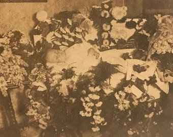 Early 1900s post mortem baby photo
