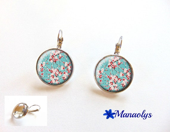 Earrings sleepers flowers from Japan, Sakura, cherry blossoms, 3417 glass cabochons