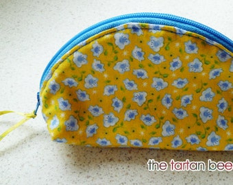 "small ""dumpling"" pouch - yellow with blue roses"