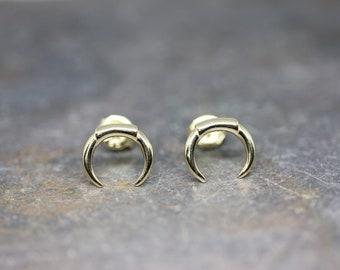 Horn stud earrings