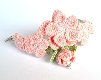 pink flowers bracelet, shabby chic bracelet, pale pink bracelet, girly bracelet, crochet jewelry, flower bracelet,cherry blossom bracelet