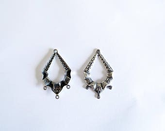 Ethnic pair of connectors 4 hole silver plated Art Nouveau, Asian 34x20mm