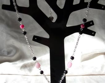 Necklace with metal chain silver, black and pink beads and sequins in pink fuchsia Pearl 49cm
