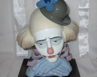 Lladro Clown Figurine - Pensive Clown with Bowler Hat #1530