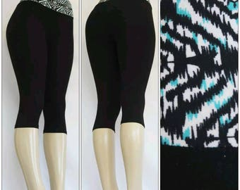 Black Yoga Capri Leggings with Blue Waist Design