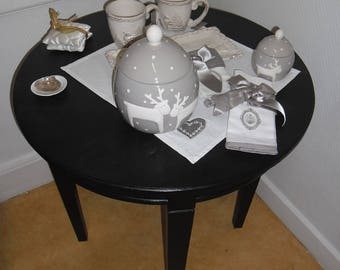Black round table makeover