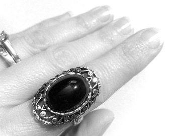 Black Glass Onyx Gothic Ring // Gothic Jewelry // Victorian Ring // Vampire Ring // Renaissance Jewelry