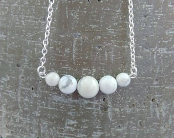 "White howlite necklace, chain, silver, hippie chic, ""Wisdom"", Crystal healing"