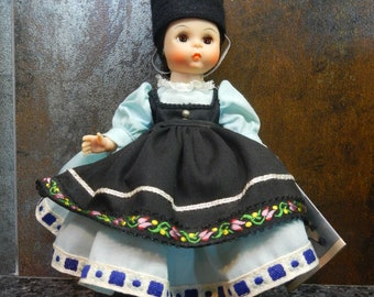 PRICE REDUCED! - Vintage Madame Alexander Romania International Doll