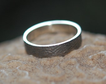 10kt White Gold 5mm Wood Grain Textured Wedding Band, Male Wedding Band