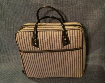 Vintage Tweed Suitcase/Retro Chic Lugagge/Vintage Carry On