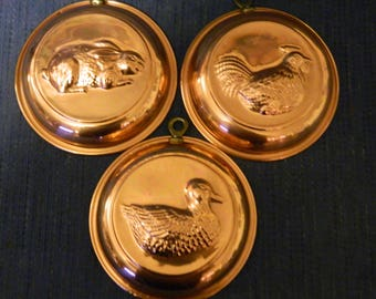 3 Vintage Stainless Steel & Copper Dishes~Wall Decor~Rooster~Rabbit~Duck~3 Small Round Dishes w/ Hooks~Hang in a Group or By Themselves~