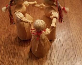 Set of 3 Vintage Corn Husk Dolls holding hands