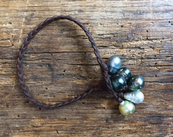 Tahitian and australian pearls on leather bracelet - women tahitian pearls bracelet