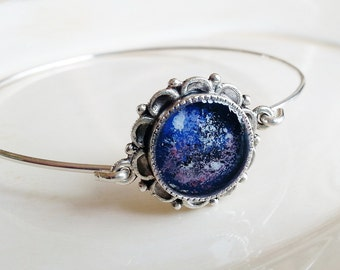 Galaxy Bangle Bracelet, Space Inspired Jewelry, Resin Jewelry, Nature Lovers Gift, Minimalist Bracelet, Stacking Bracelet, Stacking Bangle