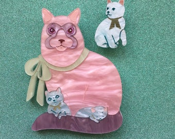 Pretty Kitty Handmade Laser cut Perspex Acrylic Brooch - Molly the pastel mama cat and her kittens