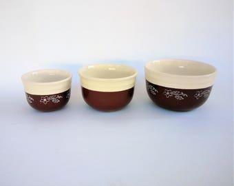 Oxford Ware  Mixing Bowl Set of Three