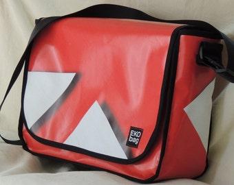 Large Messenger bag, Red messenger bag, man bag, woman bag, , Diaper bChristmas, Recycled, Crossbody bag, 7001002